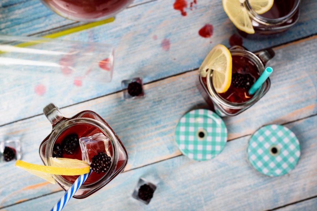 Blackberry Lemonade Recipe - SunCakeMom