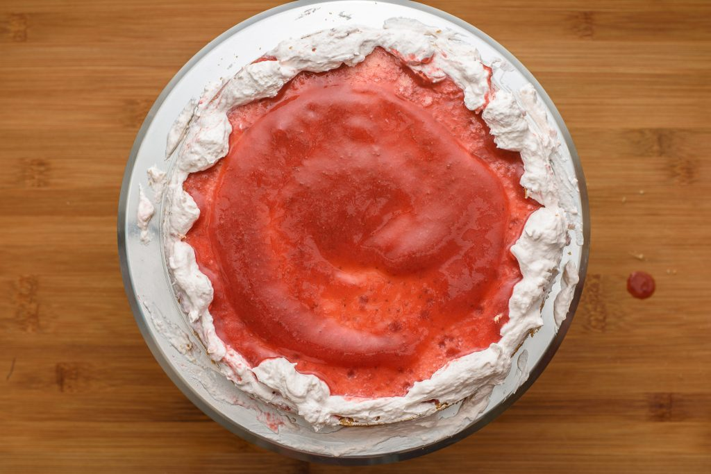 Strawberry lemonade cake - SunCakeMom