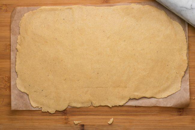 Keto Cinnamon rolls - SunCakeMom